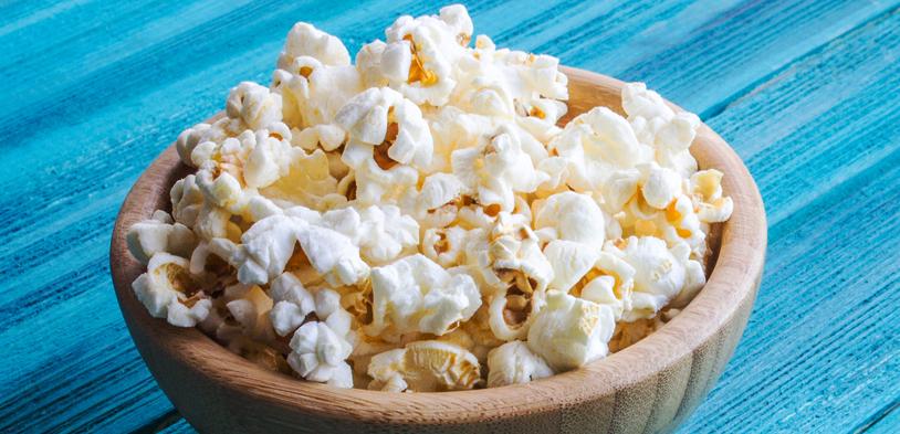 Popping Popcorn in White Coconut Oil in a 32oz Popper