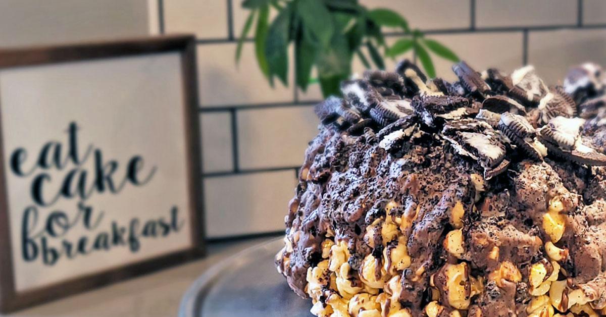 Oreo Popcorn Cakes